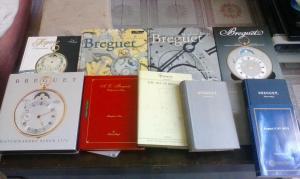 piccola collezione di libri sull'orologeria