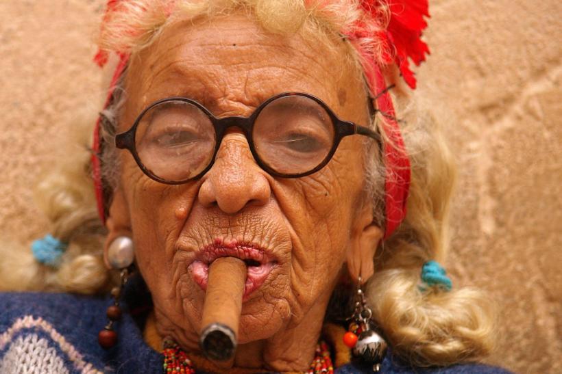 smokin-graciela-havanas-famous-cigar-lady-is-truly-badass