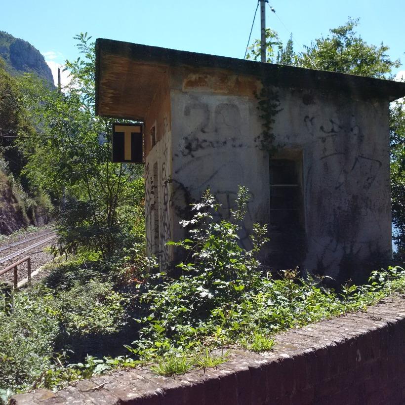 tabacchi sulla via di fiumelatte_IMG_20150820_132237