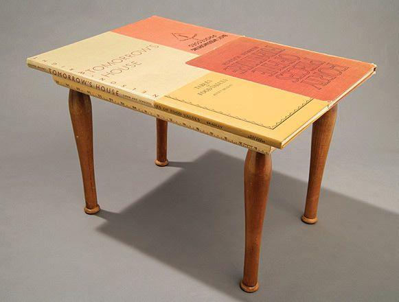 7b4b21229a48574d306f12b6e4e01c60--book-table-coffee-table-books