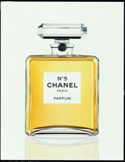 original-eauty-marilyn-monroe-chanel-n-5-pubblicita-n-5-extrait-white-15380100-1-ita-it-n-5-extrait-white-jpg.jpg