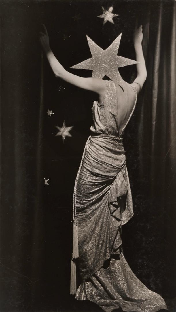 Dora-Maar-Untitled-Fashion-photograph-c.-1935-Collection-Therond-©-ADAGP-Paris-and-DACS-London-2019-677x1200